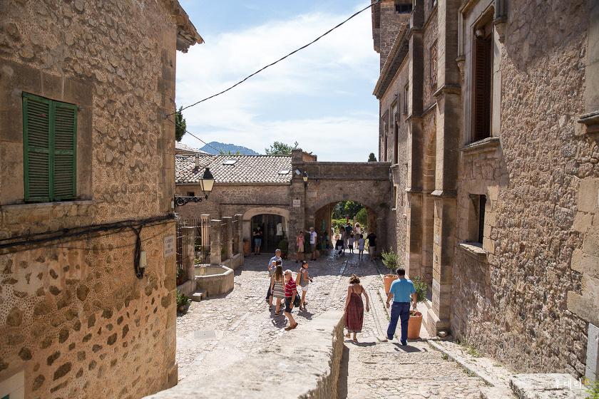 스페인_소도시여행_마요르카섬_발데모사_골목풍경